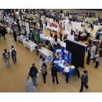 Ярмарки работ и программы для иммигрантов в ноябре